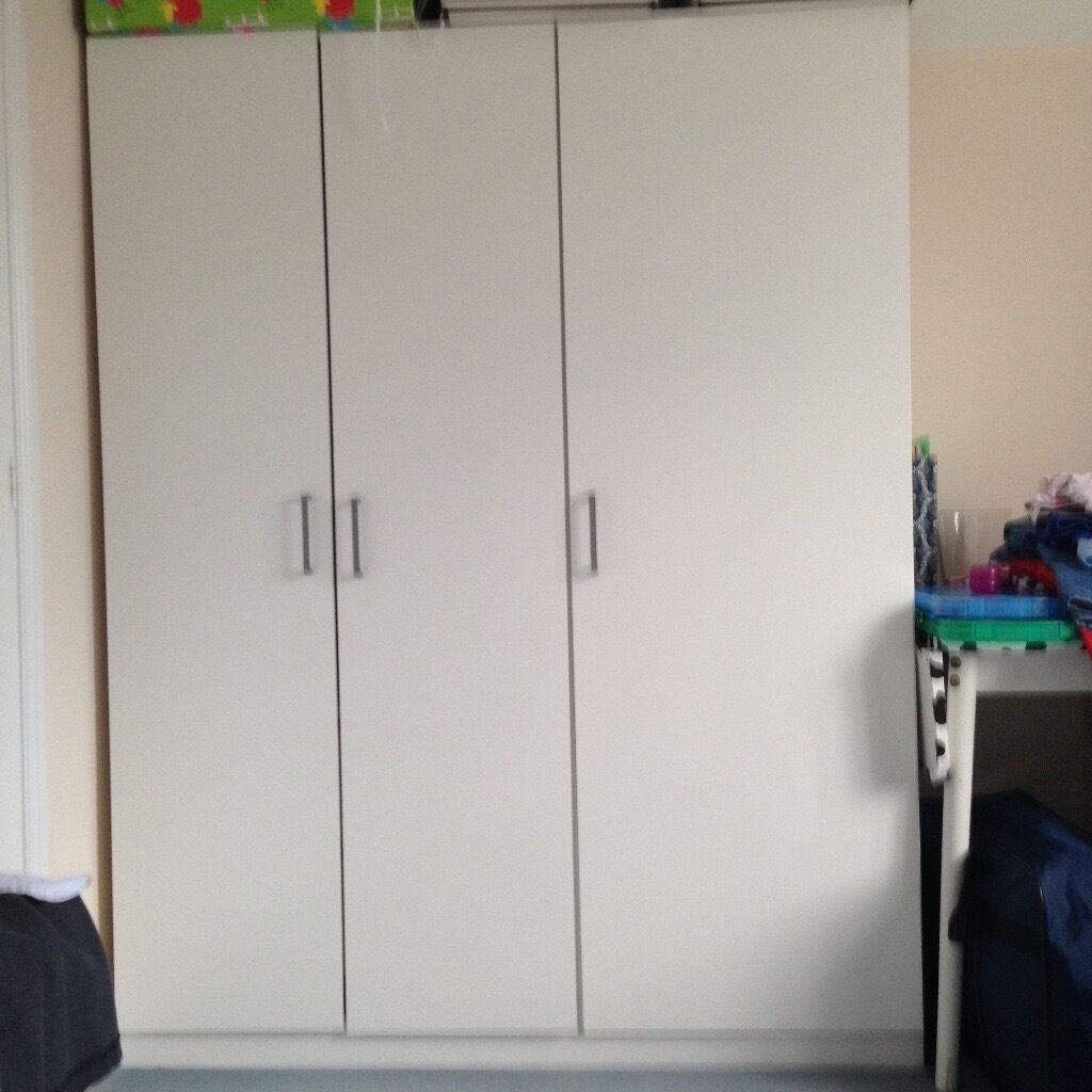Reserved ikea dombas wardrobe 3 doors in norwich for Ikea guardaroba dombas