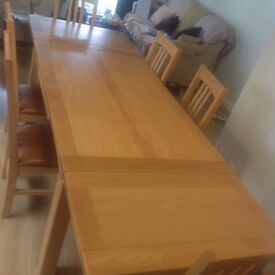 Multi York 8 seater solid oak extendable dining table