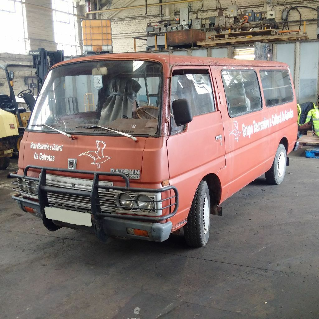 left hand drive nissan urvan caravan long wheel base mini bus