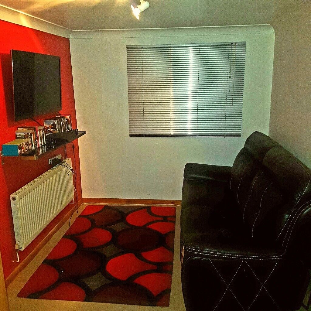 EXTRA LARGE DOUBLE ROOM TO RENT ALLL BILLS