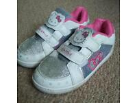 Girls hello kitty shoes size 11