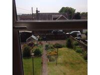 Sunny first floor, one bed flat. Quiet location, private front door and garden. DG GCH