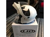 Lid | Roam Flip-face Motorbike helmet in Gloss White (M) BRAND NEW / Boxed