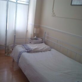 Room to share in Fulham !!!