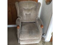 Reclining electric chair free to collector