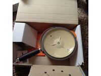 Le Creuset – 18cm Saucepan & Lid with phenolic handle