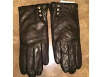 fa14ca66ca1b6 Aspinal of London Ladies Leather Gloves