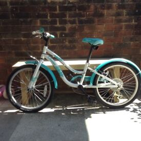 Girls turquoise and white mountain bike age 7-9