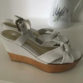 Ladies size 6