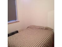 Spacious double room available in 2 bed flat