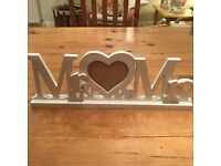 'Mr and Mrs' photo frame stand. Used only once at daughter's wedding