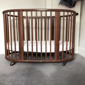 Stokke Sleepi Junior Conversion bed. Ages 0 - 6 (then turns into chairs)