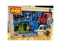 Postman pat 3 vehicle play set & characters