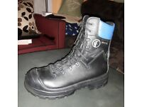 YDS safety boots with GoreTex