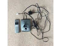 BT phone handset and docking station with built in answer machine