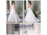 Stunning Designer Maggie Sottero Wedding dress - Size 8 white- spotless
