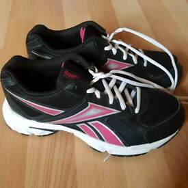 ladies reebok trainers