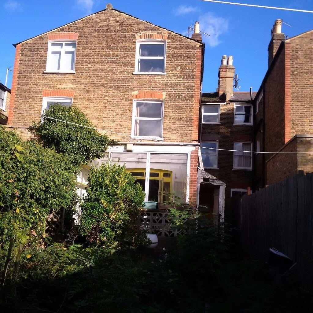 5 Bed house + garden