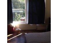 Very Spacious Double Bedroom in Brockley SE4 Zone 2 - 10mins to London Bridge by Train