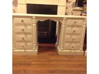 Dressing table and 2 bedside chests of drawers.