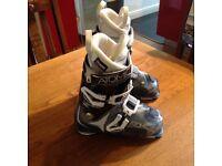 Atomic live fit 90 ladies ski boots U.K 5