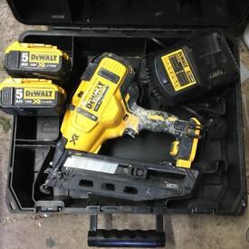 Dewalt nail gun 2 5ah batterys