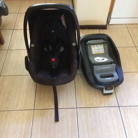 Maxi cosi rear facing car seat and isofix, both used in good condition