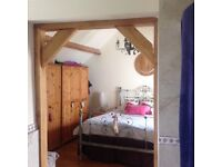 4 bed detached hse to rent. Master bed has ensuite bathroom and private balcony, village location