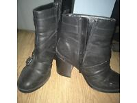 New look size 5 black ankle boots