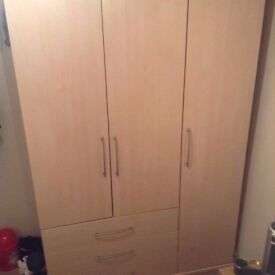 TRIPLE DOOR WARDROBE WITH THREE DRAWERS FOR SALE £40.00.