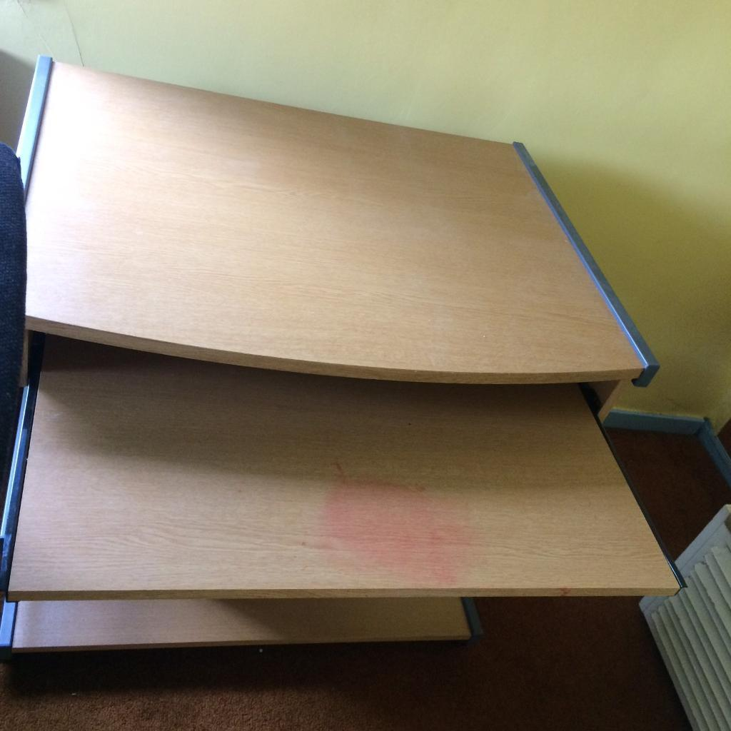Computer desk and chairin Solihull, West MidlandsGumtree - Computer desk and chair, slight damage on chair but cant be seen from front and stain on desk. Collection only