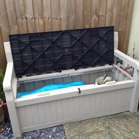 Keter Garden Bench