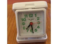White Battery Operated Travel Alarm Clock with Luminous Numbers - Only used a Feŵ Times