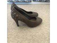 Ladies heeled shoes size .5.5