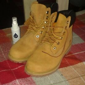 Brand New, Never Worn 'Size 5' Genuine Timberland Boots bought from 'Office'