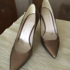 Beautiful unworn Karen Millen shoes