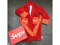Supreme robe