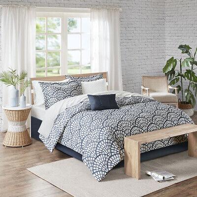 Madison Park Essentials Sia Reversible Complete bedding set