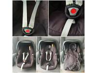 Maxi Cosi Pebble Car Seat with Footmuff and Raincovers