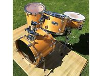 Natural finish Mapex Pro M shell pack