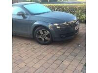Grey Audi TT