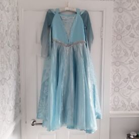 FROZEN Premium Dress Age 10yrs ***NEVER WORN*** Cost £200