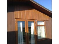 Detached 2bed residential or family holiday chalet with Wi-Fi