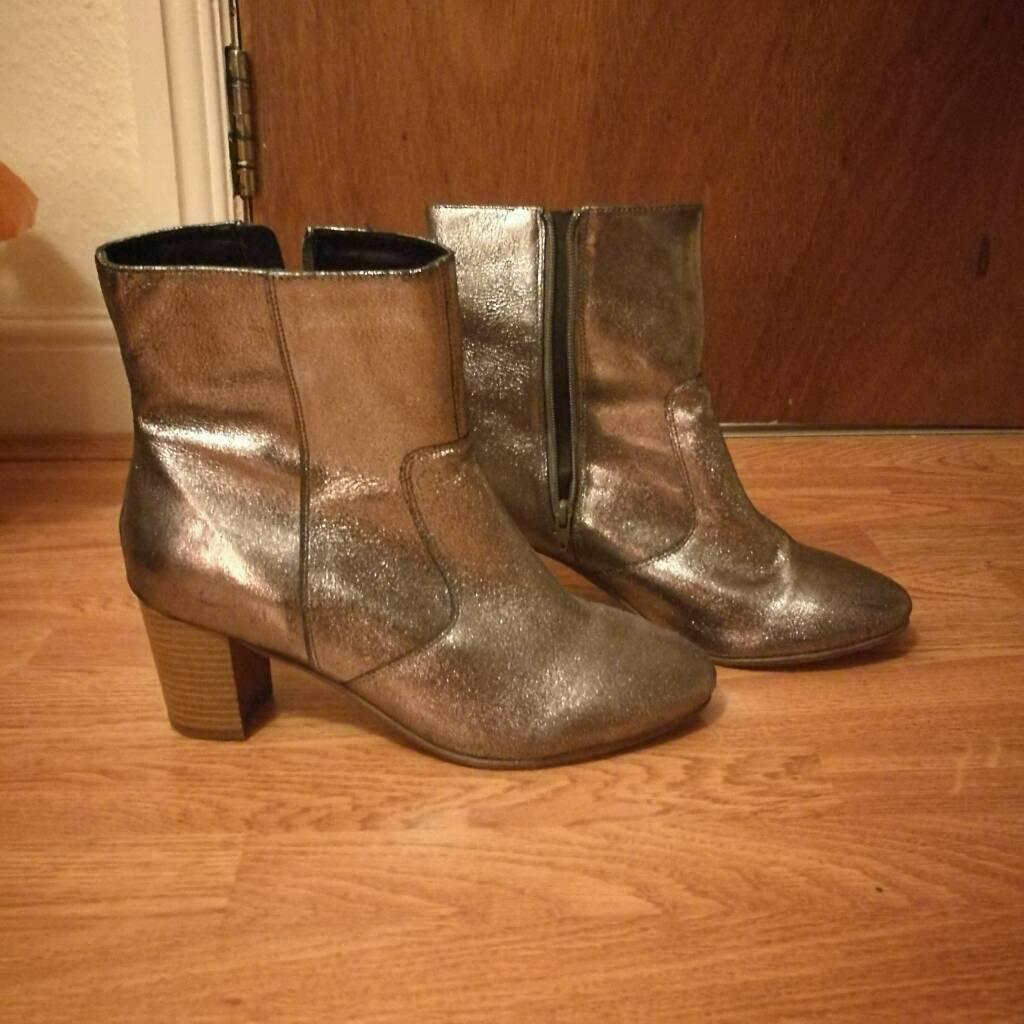 Shiny size 9 boots