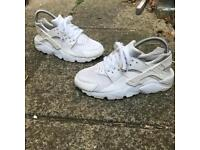 Nike air huaraches trainers size 4.5