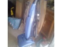 HOOVER UPRIGHT HOOVER IN GOOD CONDITION £25