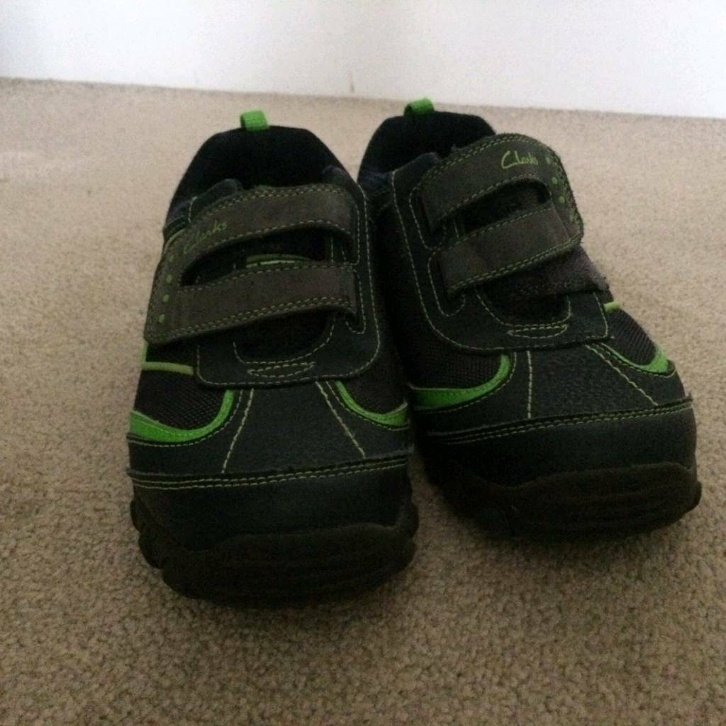 1e6f099be01 Boys Clarks Size 3G Leather Jack Nano Trainers With Pull And Zoom Car In  The Heel