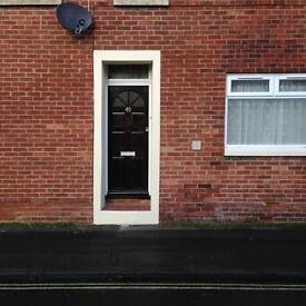 SPACIOUS ONE BED GROUND FLOOR FLAT TO RENT IN FAREHAM TOWN CENTER. PARKING AND COURTYARD GARDEN