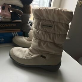 *new* women's snow boots