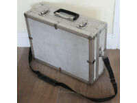 Large Aluminium Hard Case Camera Photography Flight Case/Tool case 18 ins x 13.25 ins x 6.25 ins